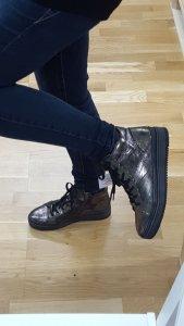 Schuhe zum binden