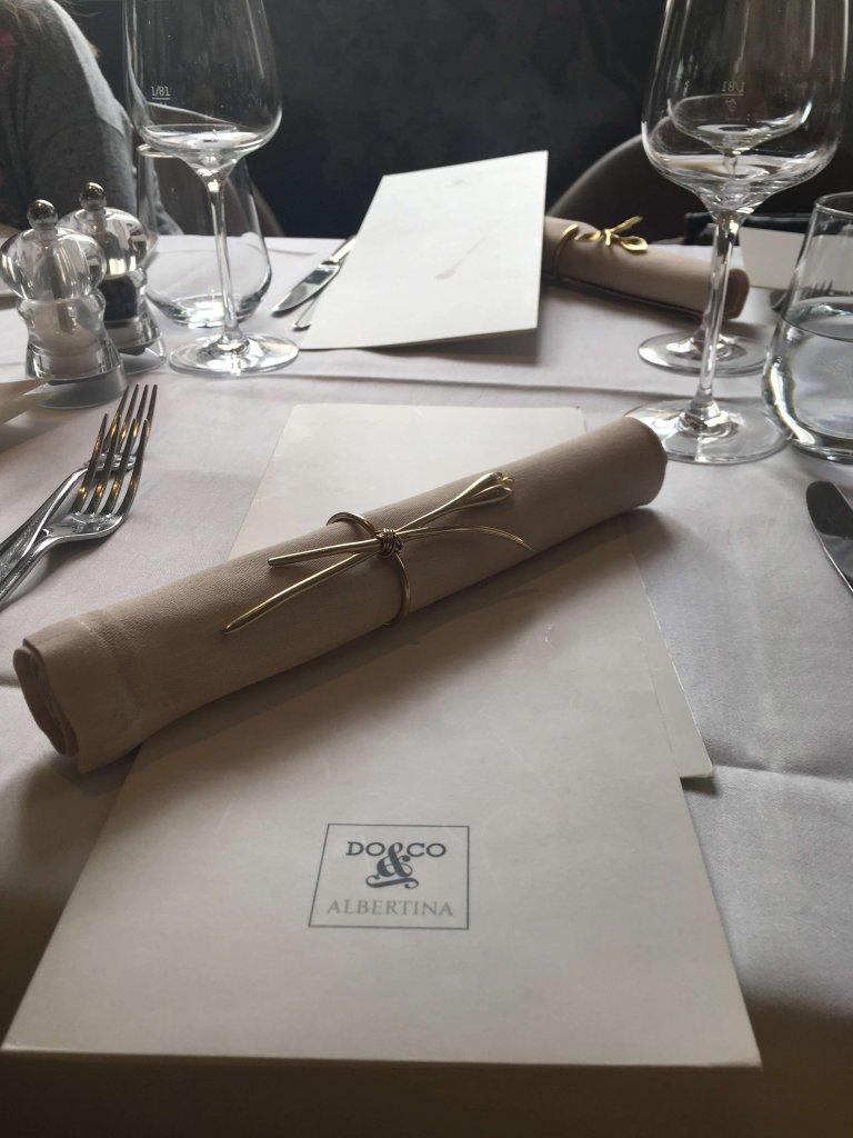 Serviette und Speisekarte