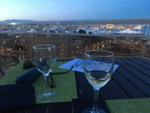 2 Gläser Wein