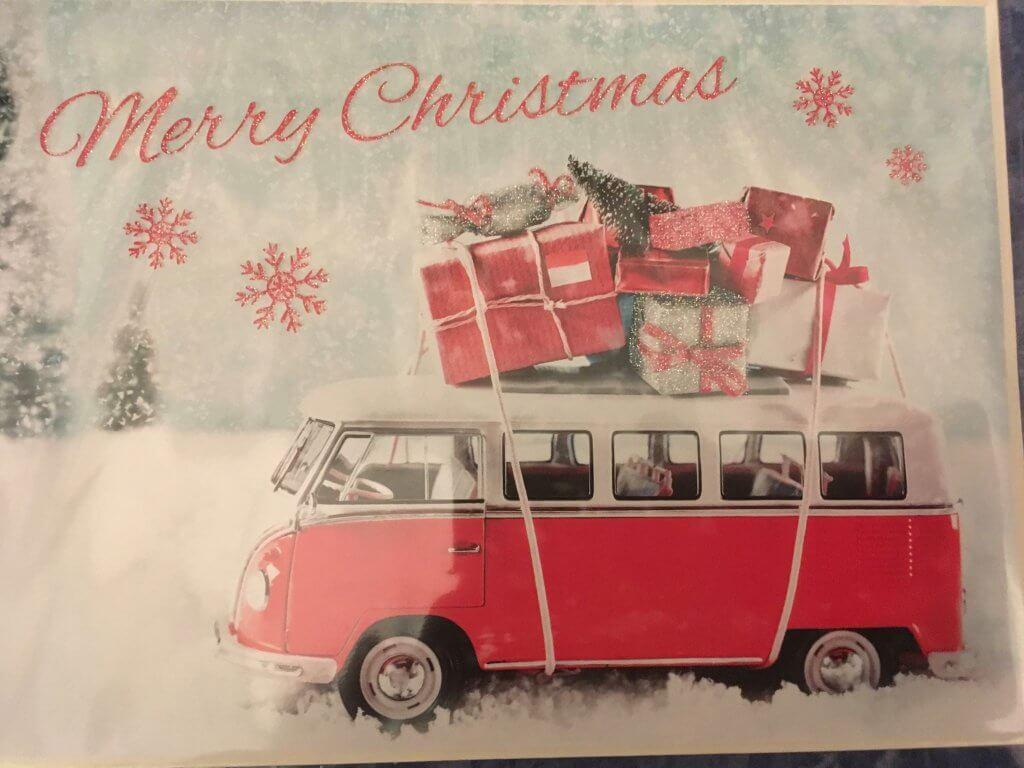 Bus mit Geschenken