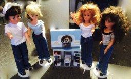 Kleine Puppen in Jeans